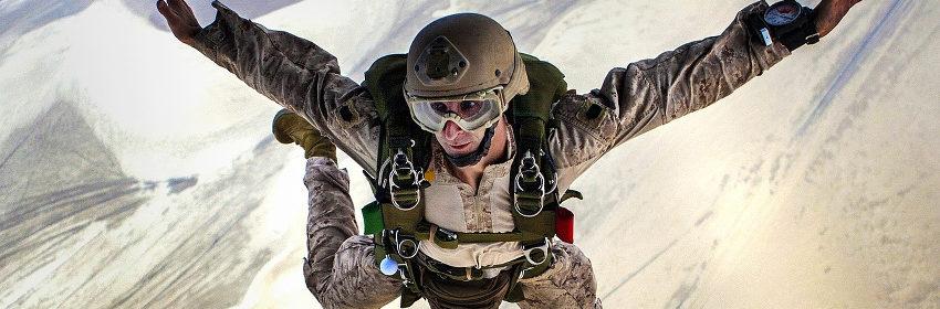 Die Skydiving oder Fallschirmspringen der Extraklasse