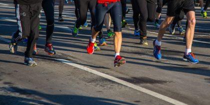 Unglaublich Fauja Singh läuft mit 100 einen Marathon